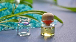 utilisations-huiles-essentielles-sante-beaute-maison-et-plus-encore